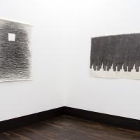Ausstellungsansicht / Exhibition view, Joan Witek (l.), Joachim Bandau (r.)