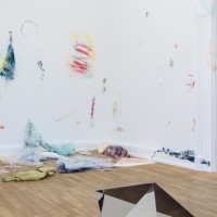 "Ausstellungsansicht ""Painting and Beyond"", Lilah Fowler (v.), Daniel Kiss"