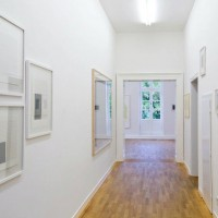 Ausstellungsansicht Papier/Paper II, Frank Badur (l.), Hadi Tabatabai (r.)